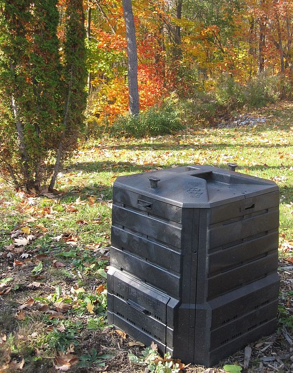 SoilSaver compost bin outdoors